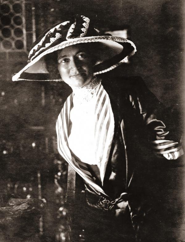 Rosa Genoni, 1903