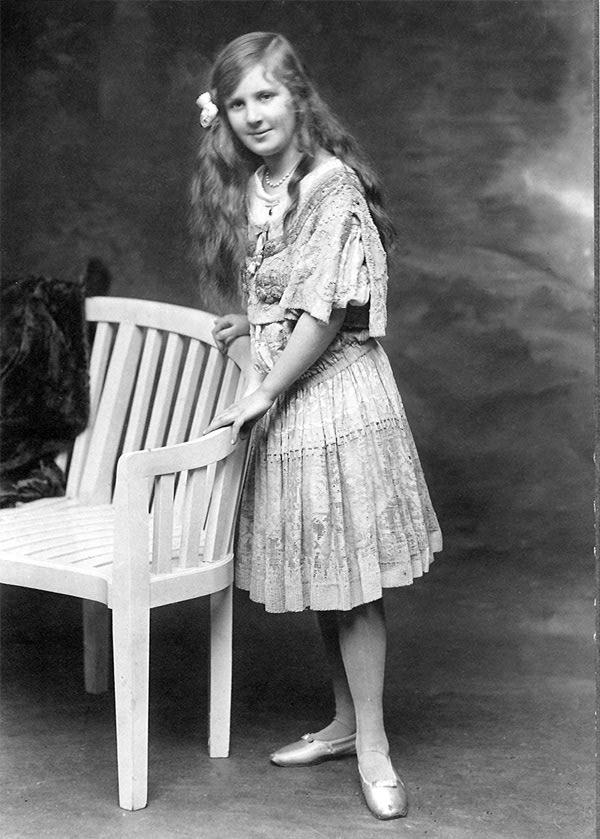 Marguerite Di Pietro, 1915 circa