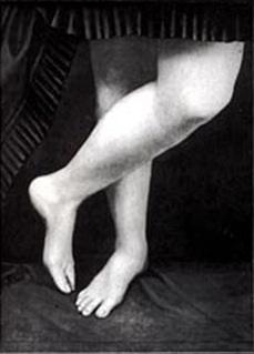 Gambe e piedi della Contessa di Castiglione, foto di Pierson